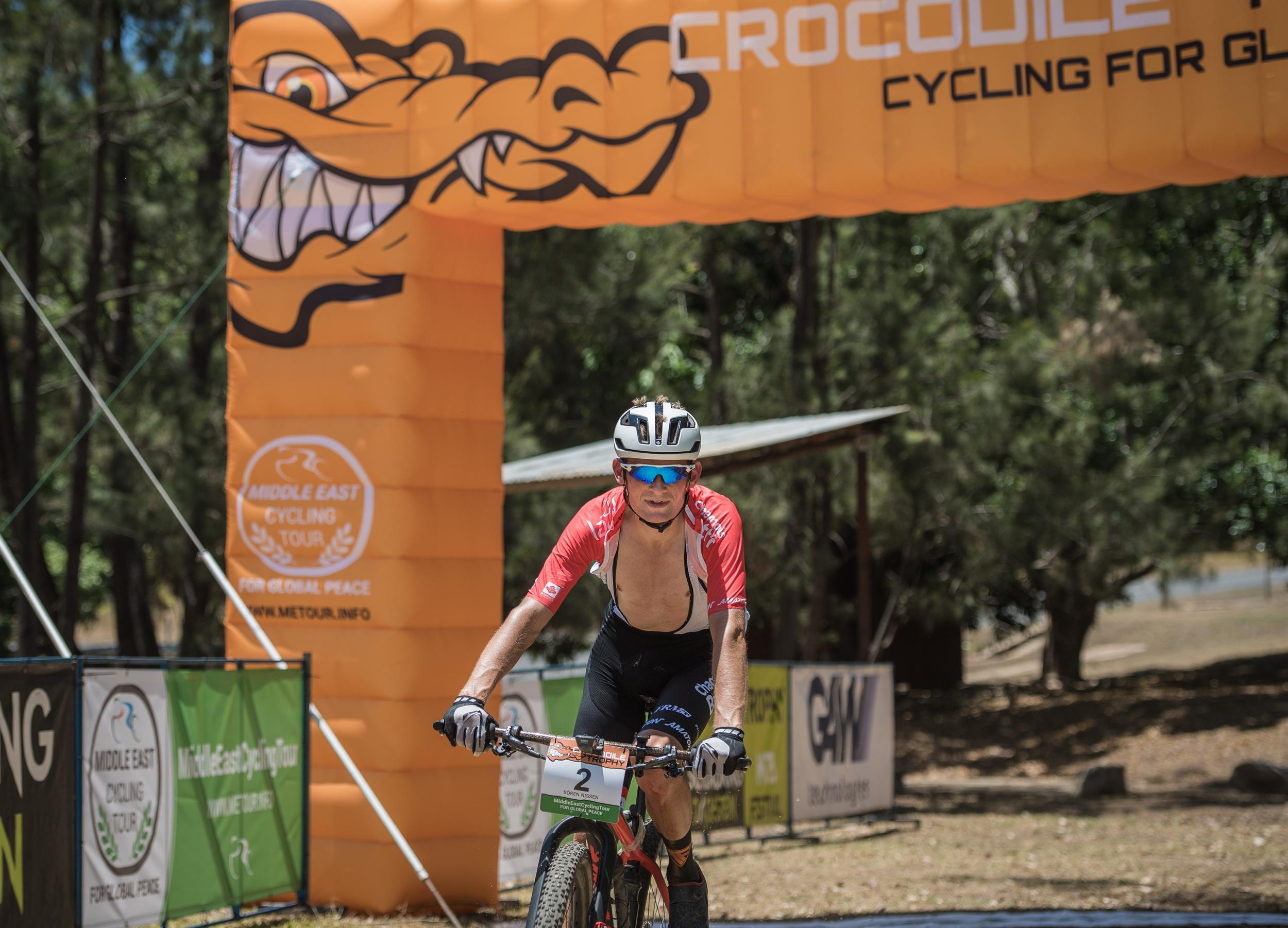 2018 Stage 6   Elite Stage wins for Soren Nissen and Sjoukje